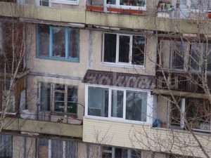 крыша над балконом из металлочерепицы
