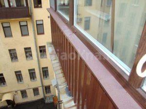 отделка с внешней стороны балкона профнастилом