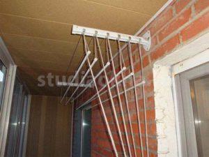 настенная сушилка на балконе