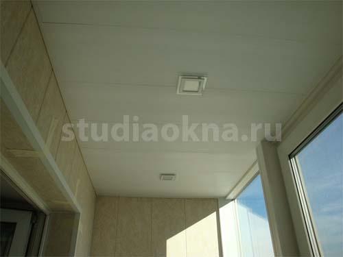 встраиваемые светильники на балконе