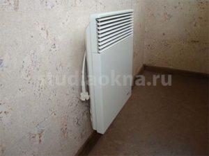 конвектор на балконе