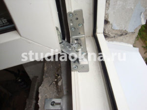 скрытая фурнитура Roto на окна пвх