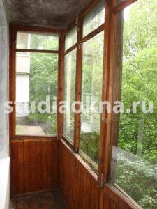 Старое стекление на балконе