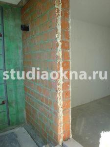кирпичная стена на лоджии