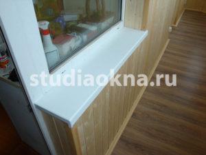подоконник пластиковый на балконе
