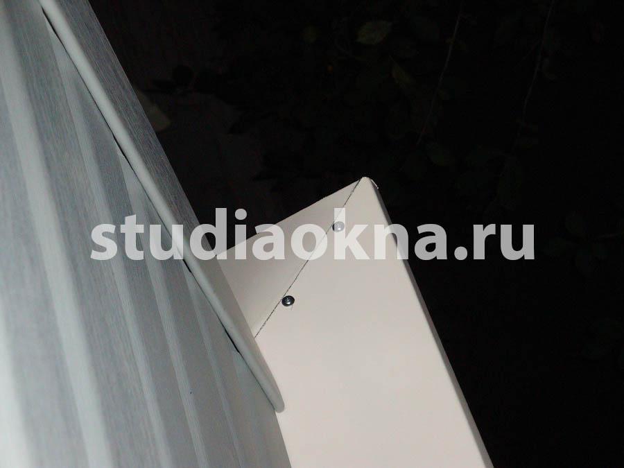 водоотлив на сайдинге на балконе