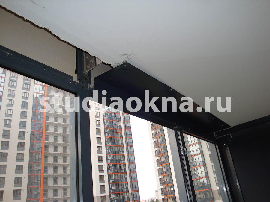 нащельник металлический на балконе
