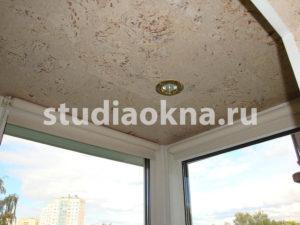 балкон с пробковым покрытием