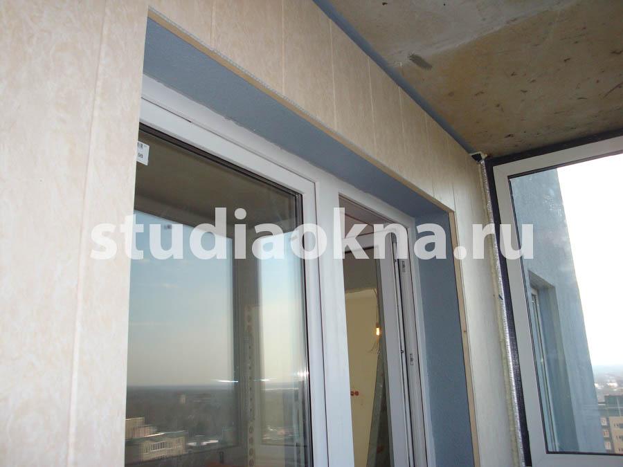 отделка стен пластиковыми панелями на балконе