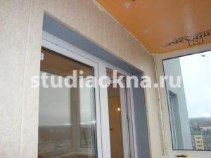 отделка стен на балконе