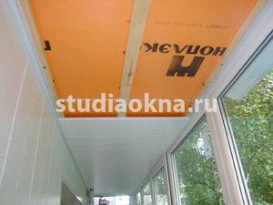подшивка панелями на балконе