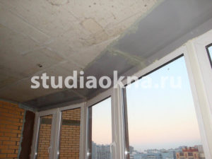 течет балкон сверху что делать